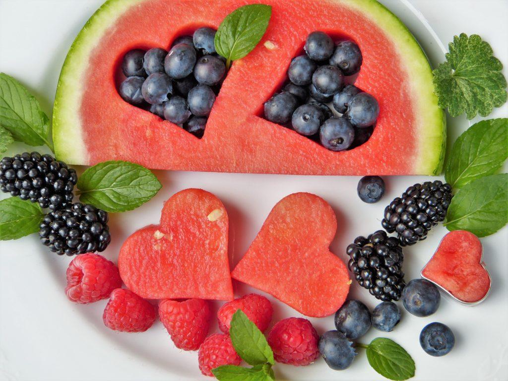 Watermelon-blueberries-raspberries-smoothie