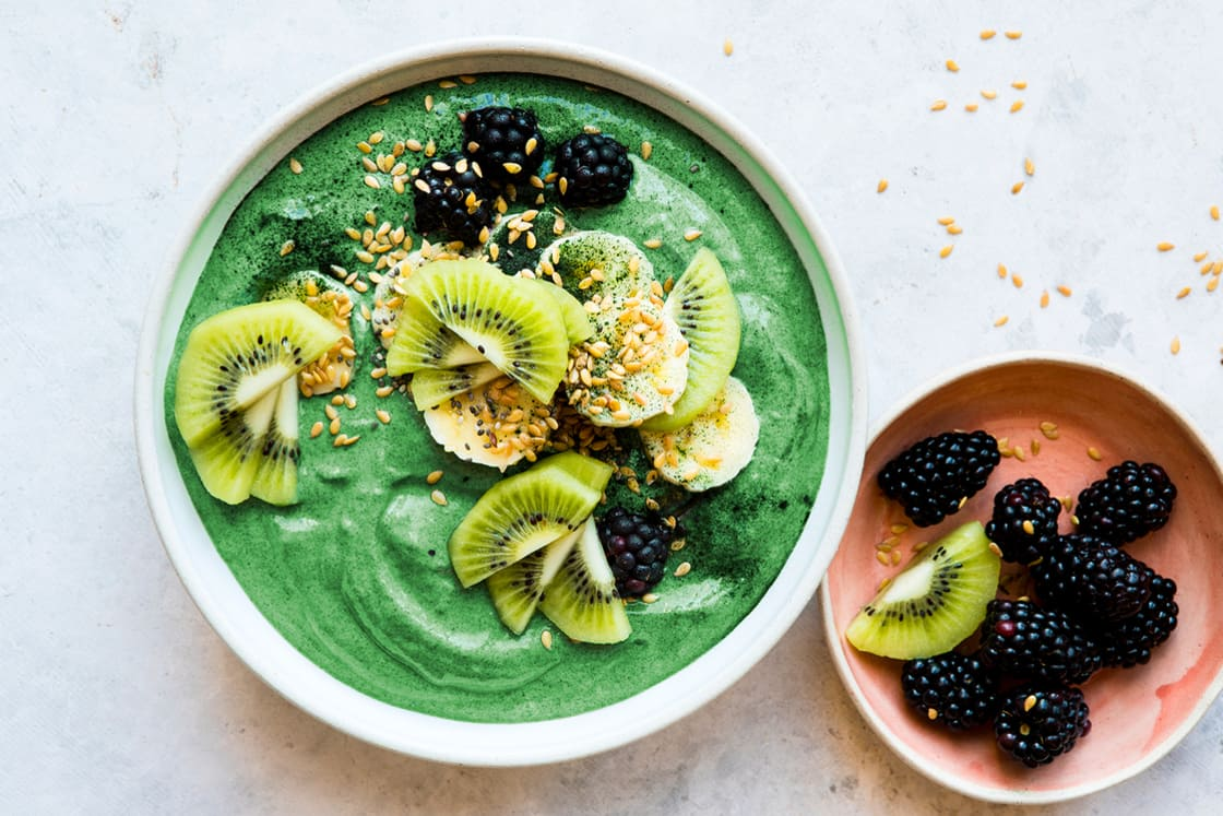 Chlorella Smoothie on MindBodyGreen