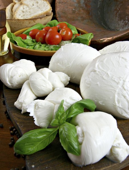 DIY-Mozzarella-Cheese-30-minutes-recipe